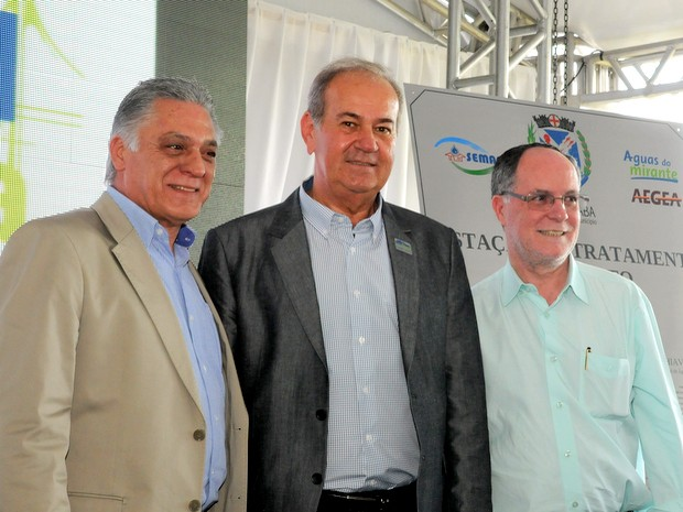 Gabriel Ferrato, Vlamir Schiavuzzo e Barjas Negri durante inauguração da ETE Bela Vista em Piracicaba (Foto: Justino Lucente/Prefeitura de Piracicaba)
