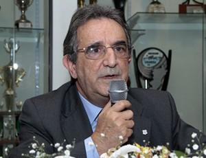 Julio César Gonçalves, presidente do conselho deliberativo do Figueirense (Foto: Luiz Henrique, divulgação / FFC)
