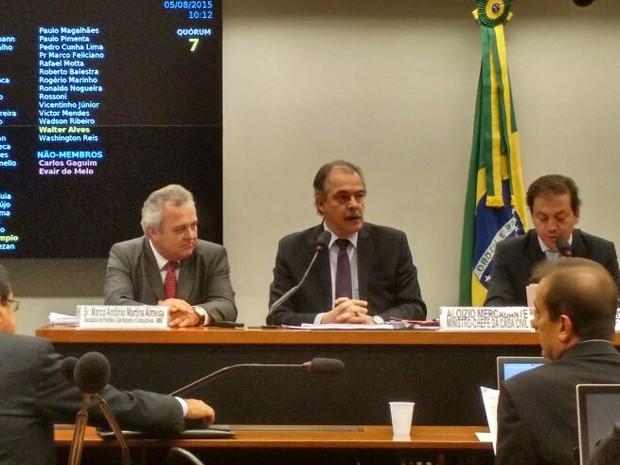 Ministro Aloizio Mercadante participa de audiência pública na Câmara (Foto: Laís Alegretti/G1)