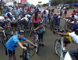 Passeio ciclístico solidário em Ariquemes (Foto: Luíza Raposo/ Arquivo pessoal)