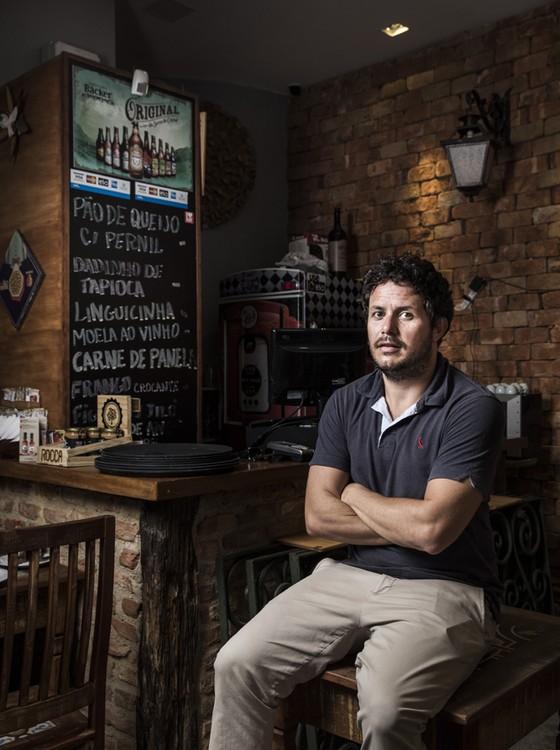 Andre Aquaviva, geofísico, prestes a sair da Petrobrás. Ele gostou mais de criar e gerir restaurantes (Foto: Stéfano Martini/ Epoca)