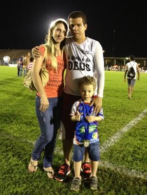 Edilsinho e família (Foto: Lauane Sena)