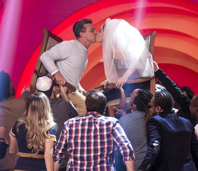 Angélica e Luciano Huck se divertem em casamento no 'Esquenta!' (Foto: Isabella Pinheiro/Gshow)