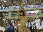 Carla Prata revela dieta para carnaval: 'Batata-doce, ovo, água e frango'
