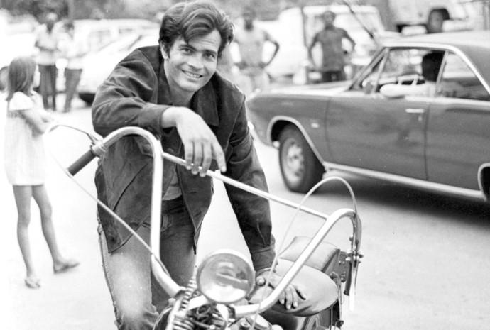 Tarcísio Meira viveu motociclista na novela Cavalo de Aço