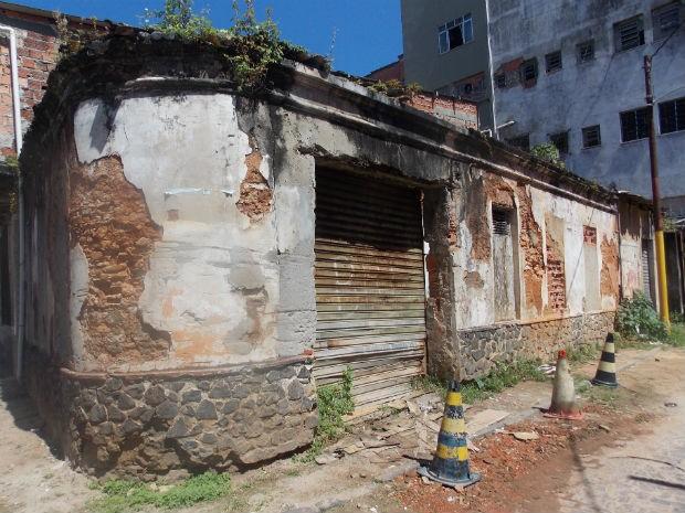 Casa onde viveu Carlos Marighella, no bairro de Nazaré (Foto: Henrique Mendes / G1)