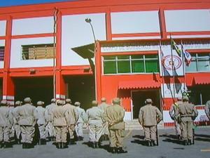 Grupamento dos Bombeiros em Petrópolis (Foto: Reprodução Intertv/Jairo Martins)