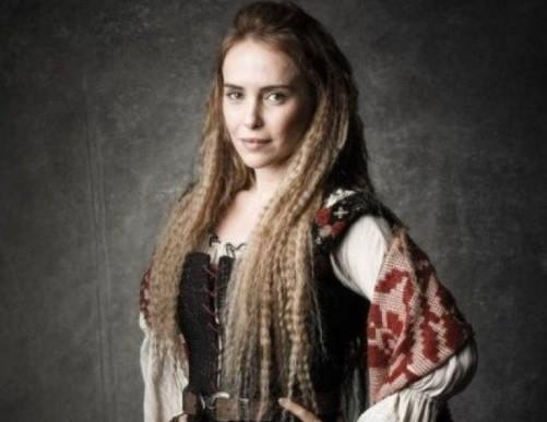Fernanda como a Diana de Deus salve o Rei:  (Foto: Divulgação/ TV Globo)