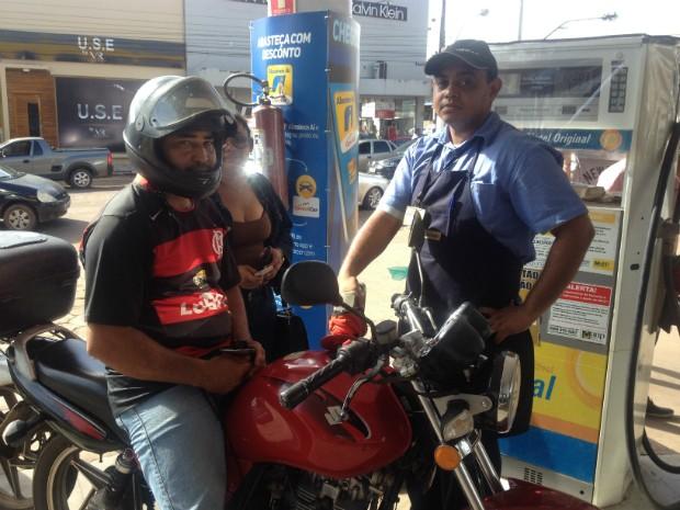Gasolina, sem impostos, impostos, Amapá, Macapá, Dia da Liberdade de Impostos, (Foto: Fabiana Figueiredo/G1)