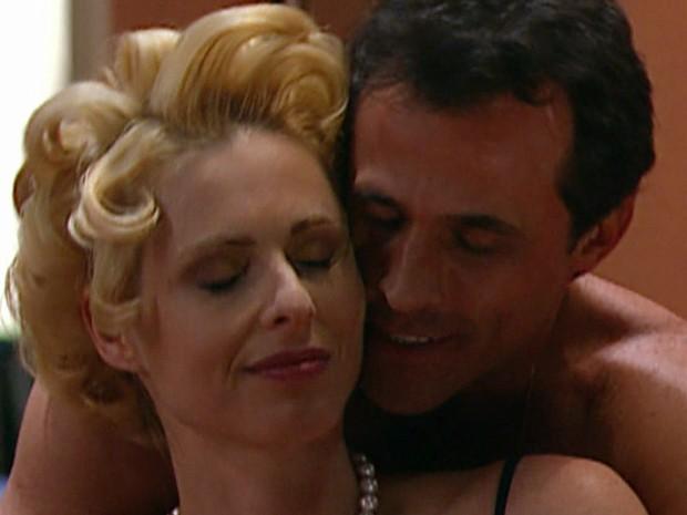 O interesseiro Ralf era amante da rica Léia em O Rei do Gado (Foto: TV Globo)