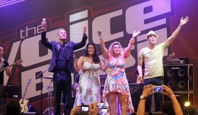 Emoção guardada para o final do show, quando todos dividiram o palco. (Foto: Luanna Gondim / TV Verdes Mares)