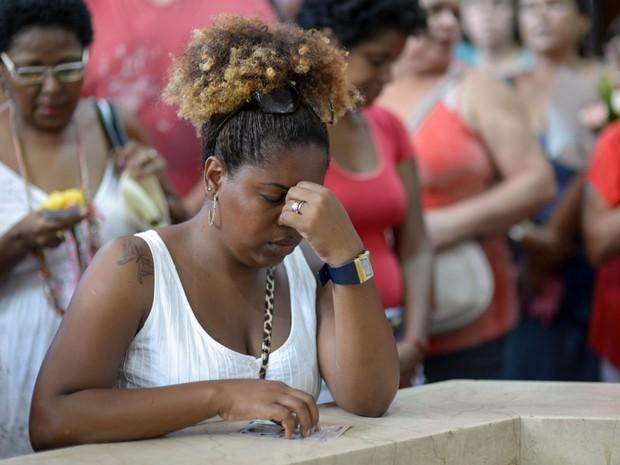 Fiéis na igreja de São Sebastião  (Capuchinhos), no dia de São Sebastião, padroeiro do Rio de Janeiro, na   comemoração de 450 anos da cidade, na Tijuca. (Foto: Erbs Jr./frame/Estadão Conteúdo)