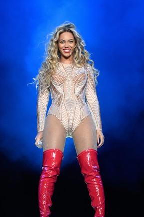 Beyoncé se apresenta em festival de música na Filadélfia, nos Estados Unidos (Foto: Kevin Mazur/ Getty Images)