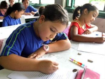 Cadastramento das crianças que devem ingressar na escola, em 2014, no 1º ano do ensino fundamental nas escolas municipais de Curitiba começa nesta segunda-feira (5) (Foto: Joel Rocha / SMCS / Arquivo)