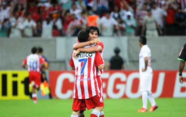 Jogadores Do Náutico comemoram  (Foto: Aldo Carneiro / Pernambuco Press)
