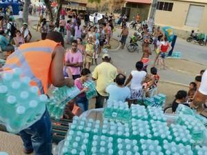 Samarco suspende distribuição de  àgua em Colatina, Espírito Santo (Foto: Carlos Alberto Silva / A Gazeta)