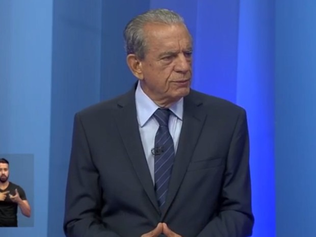 Iris Rezende (PMDB) participa de debate na TV Anhanguera Goiânia (Foto: Reprodução/TV Anhanguera)