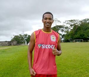 José Maria Carneiro da Silva, o Nenê, é um dos reforços do Galvez para a temporada 2015 (Foto: Quésia Melo)