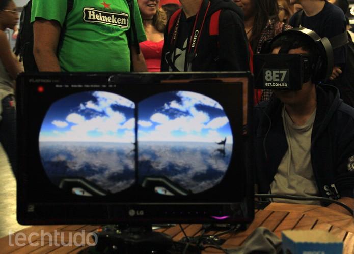 A empresa brasileira 8E7 demonstrou o Oculus Rift com uma experiência marítima (Foto: Renato Bazan/TechTudo)