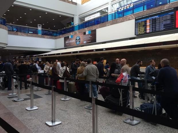Aeroporto Porto Alegre : G um dia após jogo da copa pista do aeroporto de porto