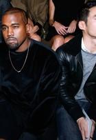 Com Kim Kardashian e Kanye West na primeira fila, Balenciaga desfila na semana de moda de Paris
