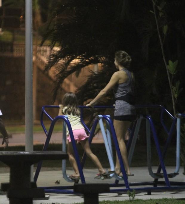 Grazi Massafera e a filha, Sofia (Foto: Agnews)