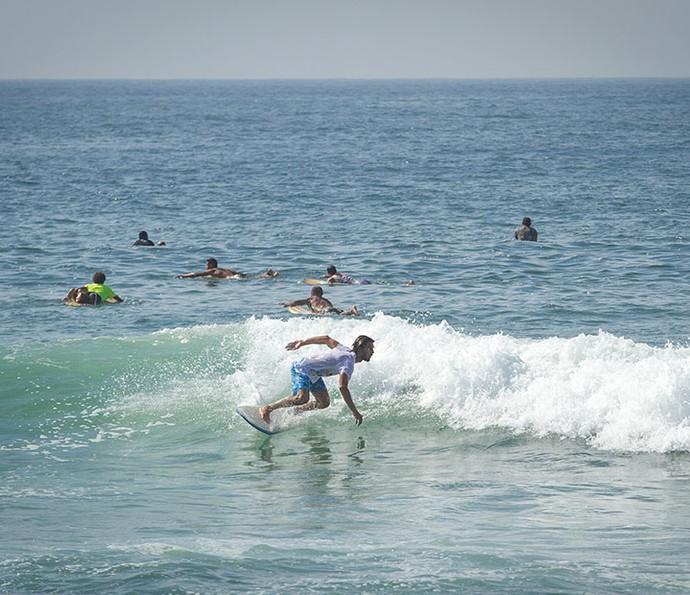 Ator é amigo do surfista Gabriel Medina e já até competiu com ele (Foto: Fabiano Bataglin/Gshow)