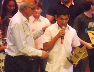 Datinha foi eleito o atleta do ano (Foto: Bruno Alves)