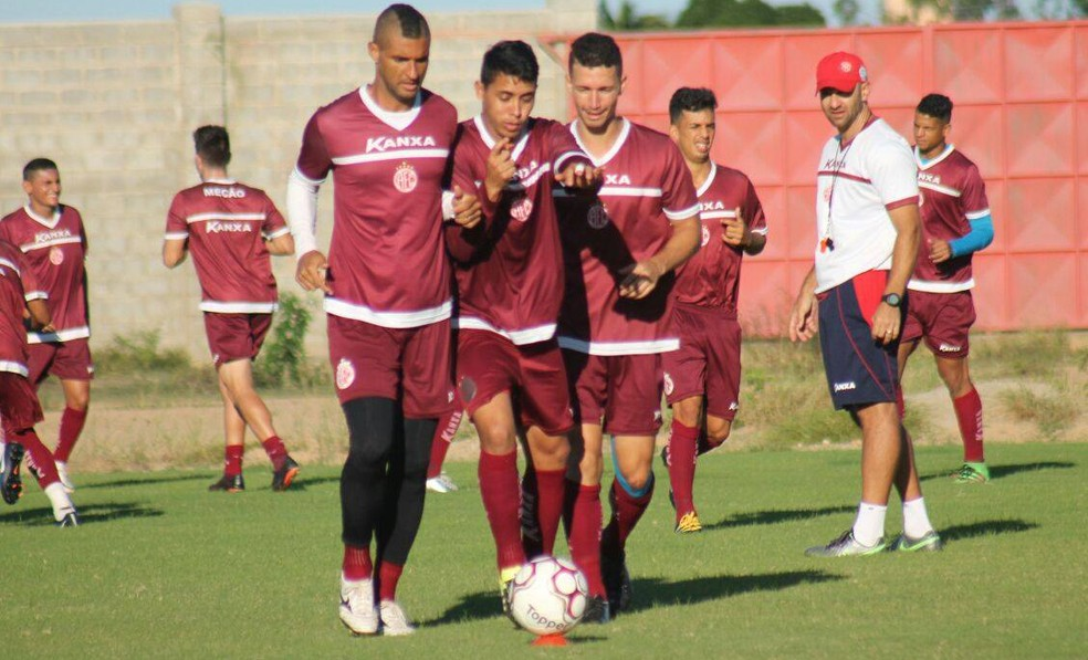 América-RN espera partida difícil contra o Sergipe e busca melhoria no setor da marcação (Foto: Canindé Pereira/América FC)