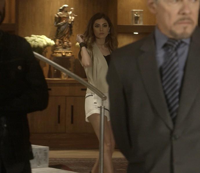 Camila aparece e dá pista sobre o paradeiro de Pedro (Foto: TV Globo)