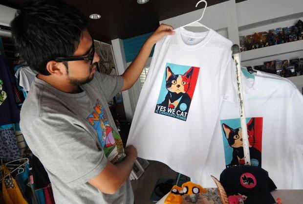 'Cansado de votar em ratos? Vote em um gato', diz slogan do felino (Foto: Yahir Ceballos/Reuters)