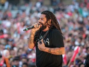 Banda Onze:20 animou o público com muito reggae (Foto: Jefferson Bernardes / Agência Preview)