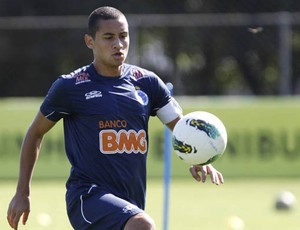 Atacante Wellington Paulista, do Cruzeiro (Foto: Washington Alves / Globoesporte.com)