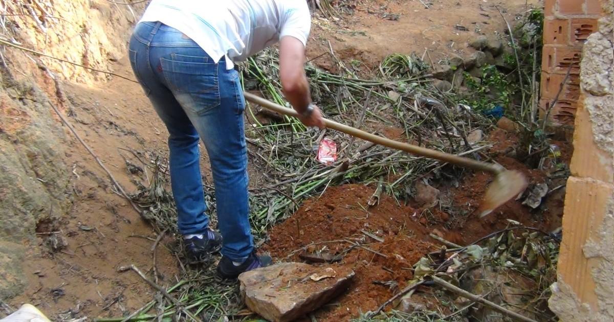 Corpo de homem é encontrado enterrado em Teresópolis, no RJ - Globo.com
