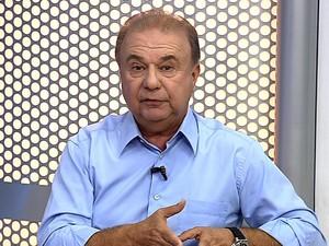 Fernando Jordão, candidato a prefeito de Angra, participa de entrevista no RJTV (Foto: Reprodução/TV Rio Sul)