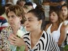 Juliana Paes e famosos participam de encontro com guru em Fortaleza