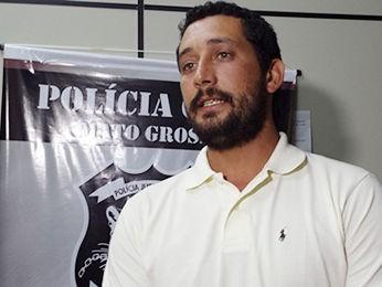 Piloto foi levado da Bolívia para Cuiabá e voltará para a cidade da família. (Foto: Denise Soares/G1)