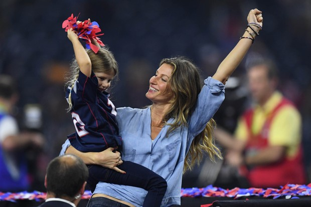 Gisele Bündchen e a filha (Foto: Bob Donnan-USA TODAY Sports / Reuters)