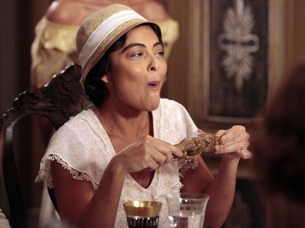 Gabriela paga o maior mico em jantar na casa de Ramiro Bastos (Foto: Divulgação/TV Globo)