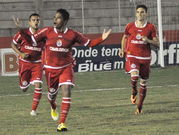 Almir comemora gol do América-RN contra o Asa (Foto: Frankie MArcone / Futura Press)