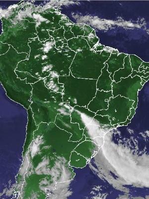 Satélite Goes-13 mostra tempo no Brasil neste domingo (Foto: Reprodução/Cptec-Inpe)
