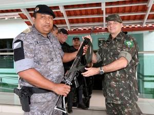 Fuzis devem ser usados no policiamento da capital acreana (Foto: Sérgio Vale/Secom)