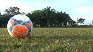 bola futebol treino atlético-ac (Foto: Reprodução/TV Acre)
