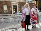 Ingleses já esperam pelo bebê de Kate Middleton na porta do hospital