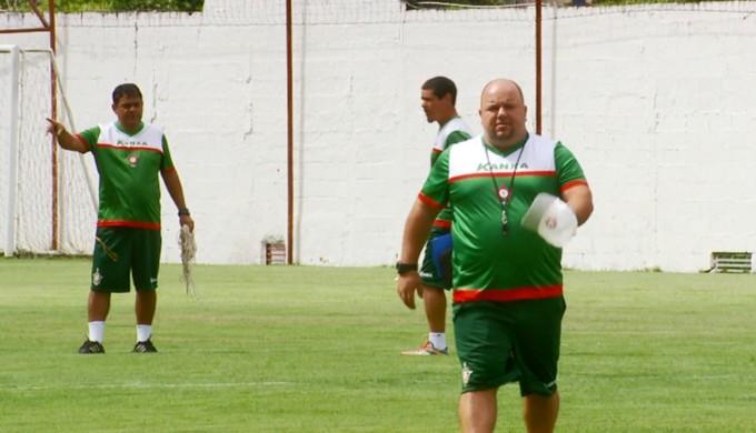 Julinho Camargo é apresentado como treinador para 2017 no Boa Esporte (Foto: Reprodução EPTV)
