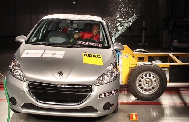 Peugeot 208 perde estrelas em novos testes do Latin NCAP (Foto: Divulgação)