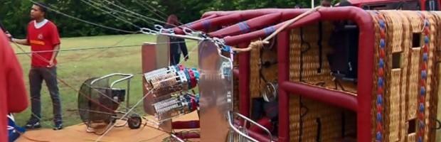 Balão possui plataforma para fixar cadeira rodas durante voo; projeto é da Federação Mineira de Balonismo, com sede em São Lourenço, MG (Foto: Reprodução EPTV / Devanir Gino)