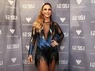 Ivete Sangalo aposta em look ousado para show em Salvador