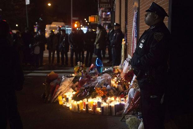 Assassinato de policiais gerou comoção em Nova York (Foto: Carlo Allegri/Reuters)