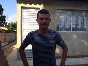 Ronaldo Apolinário nega que tenha colocado as agulhas na enteada de três anos (Foto: Michelle Farias/G1)